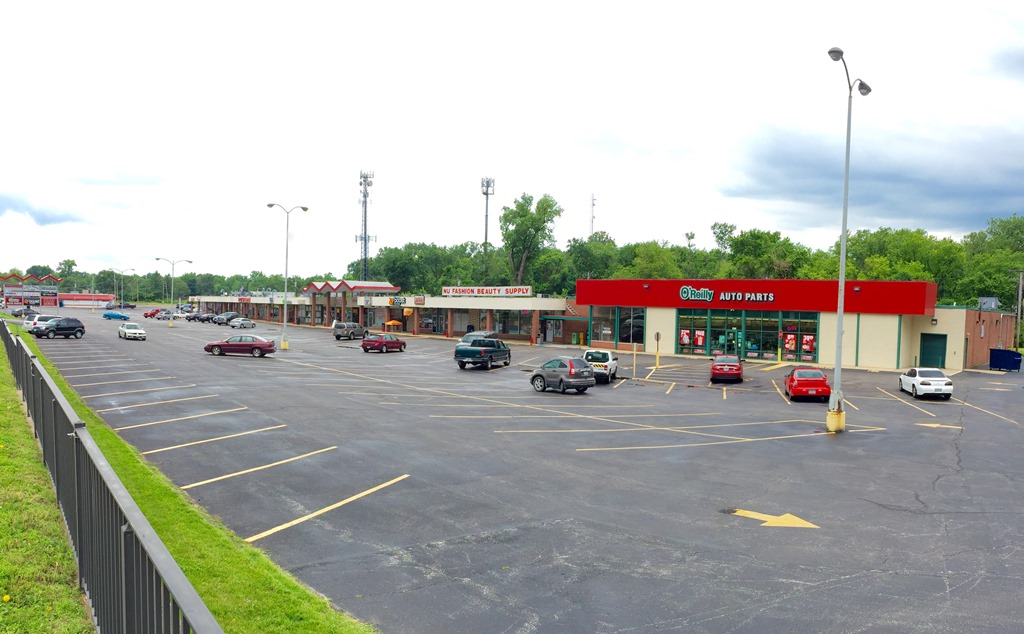 Belle Parke Shopping Center